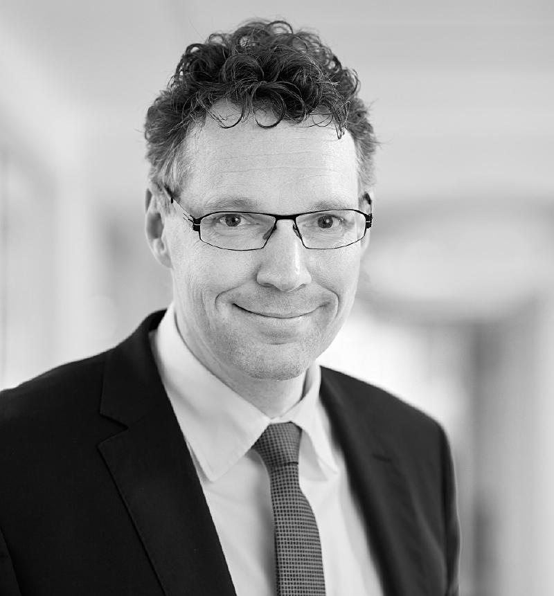 Dr. Lars Franken